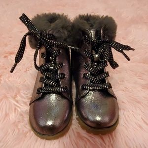 NWOT Gap Metallic Fur Boots 9